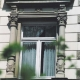 <p>Stilgerechte Renovierung mit verzierten Kunststofffenstern<br /><strong>Ort:<br /></strong>Dr. Spengler<br />Kaiser-Friedrich-Ring <br />65185 Wiesbaden</p>